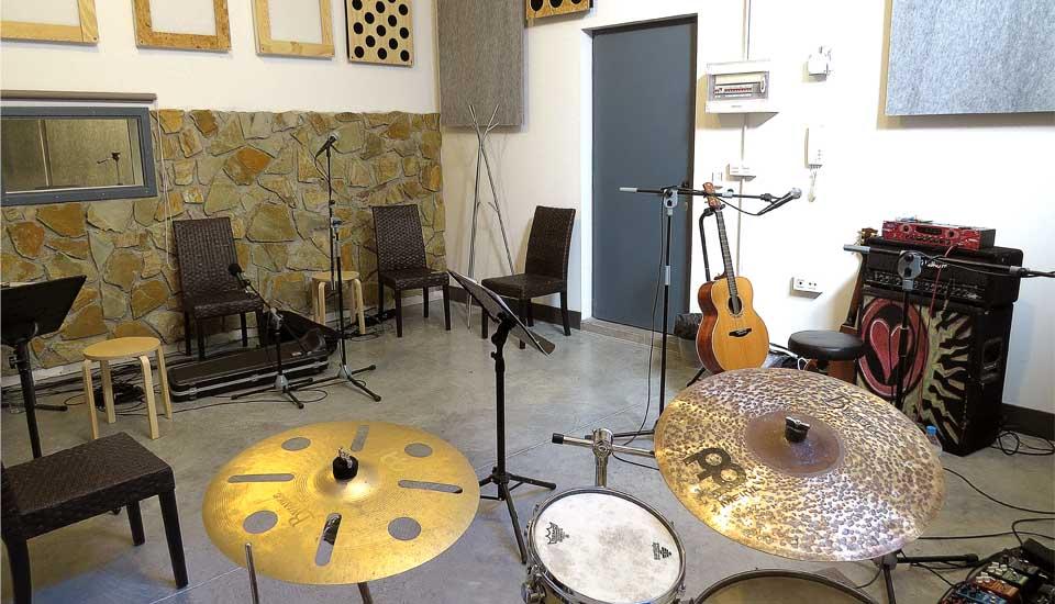 Alquilamos la Sala y el Equipo para Ensayar Instalaciones Armando Records Valladolid España